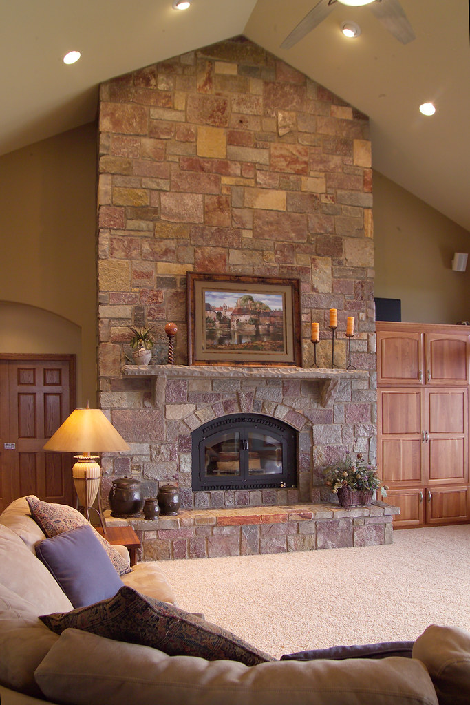Full Color Castle Rock This Fireplace Uses Buechel Stone