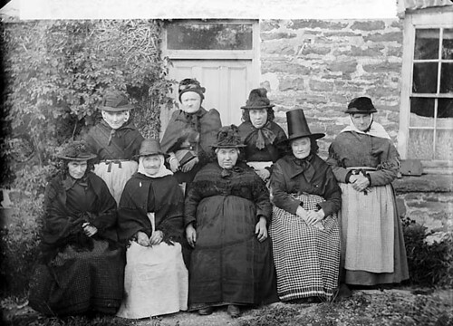 Old Women Llangeitho Teitl CymraegWelsh Title Hen