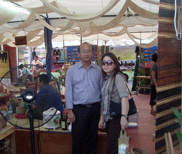 Long Yang Lia Lor Our Host At Thatluang By Drpao