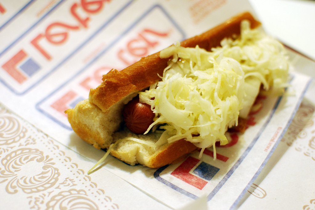 Montreal Hot Dog Via La Belle Province Enwikipediaorg