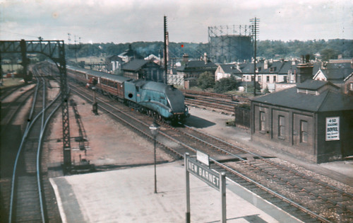 LNER A4 Streamlined Pacific No 4463 Sparrow Hawk At N