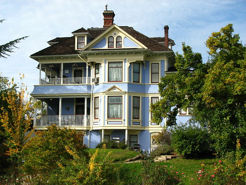 Blue Victorian Grants Pass Oregon Spotted This House