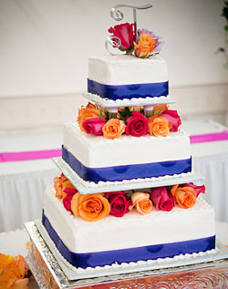Square Tiered Wedding Cake With Blue Ribbon And Roses Flickr