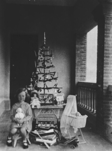 Christmas Morning Under The Christmas Tree Ca 1935 Flickr