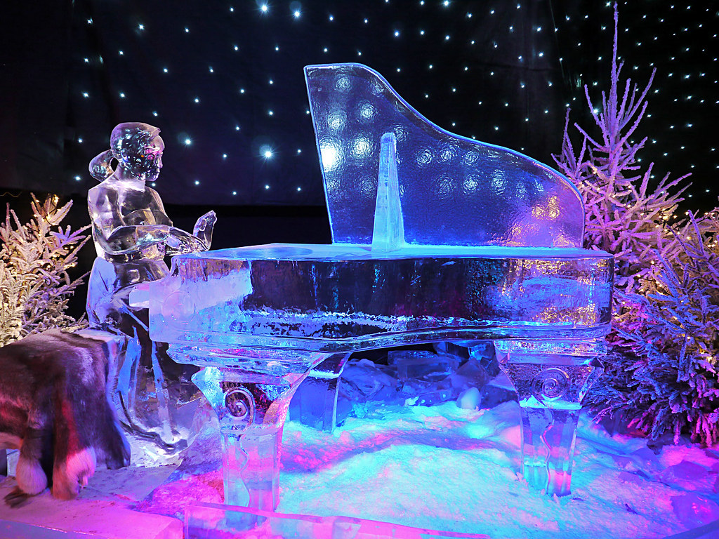 Piano Player Made From Ice Julien Ricard Flickr