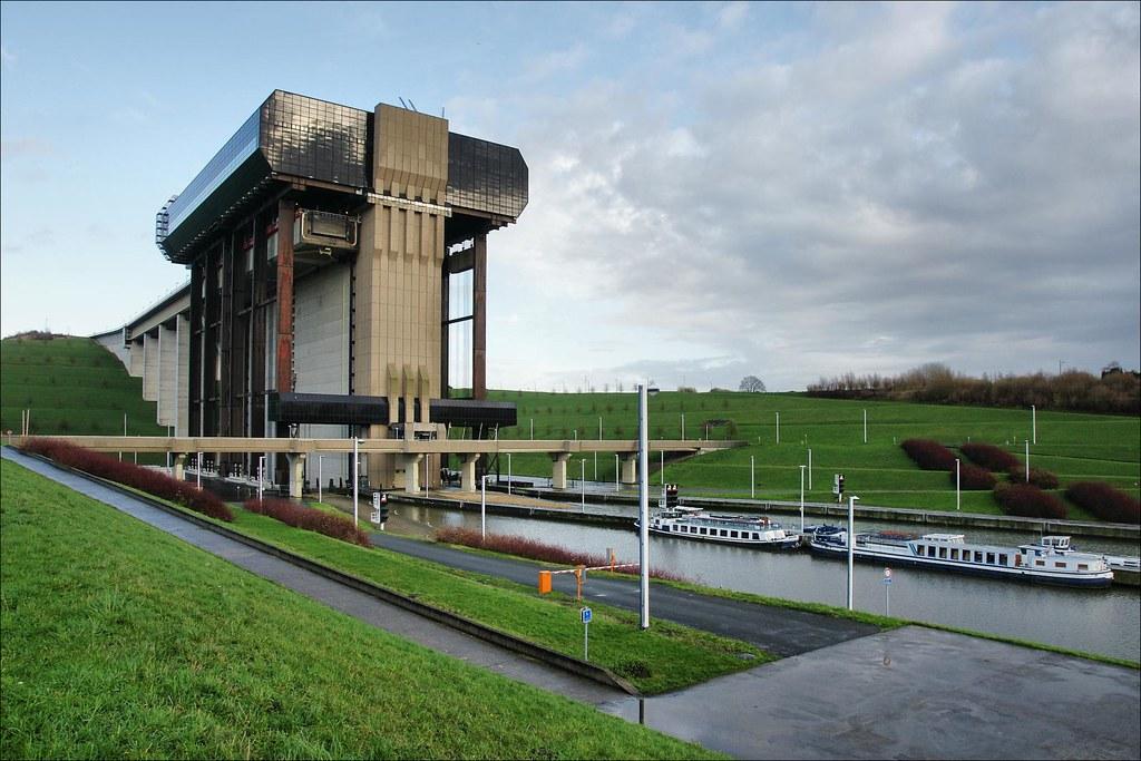 Canal Du Centre Mons Belgium This Amazing Structure