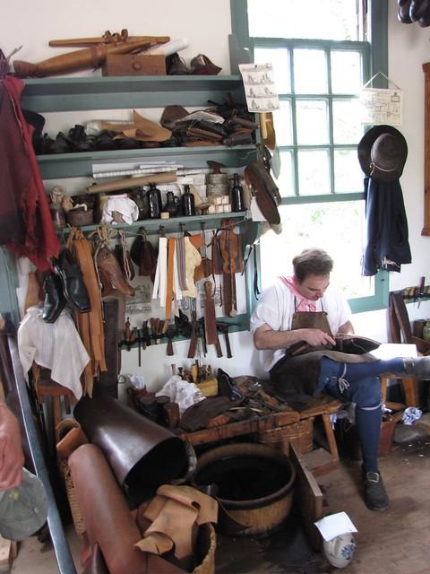Cobbler Shop Craftsmen 2 Colonial Williamsburg
