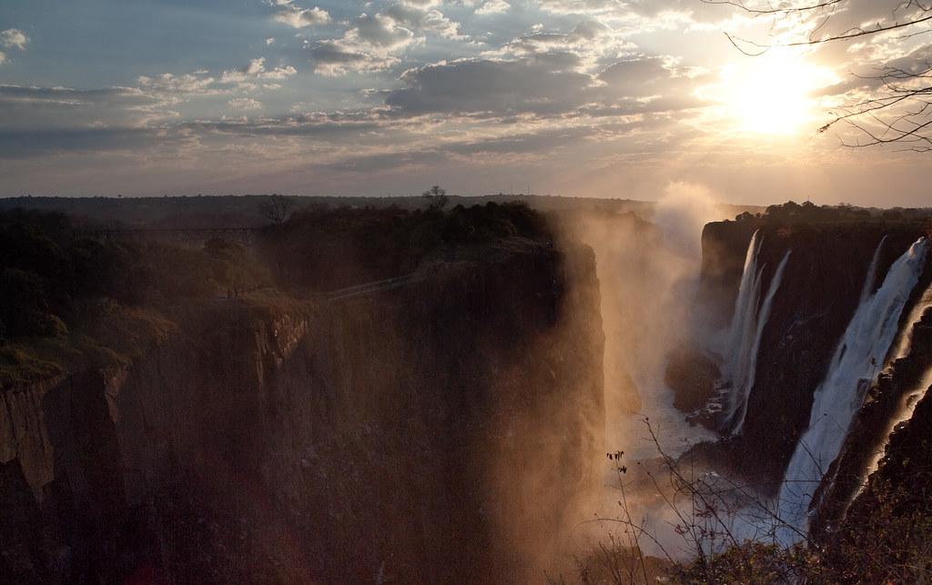 Sunset At Victoria Falls Gusjer Flickr