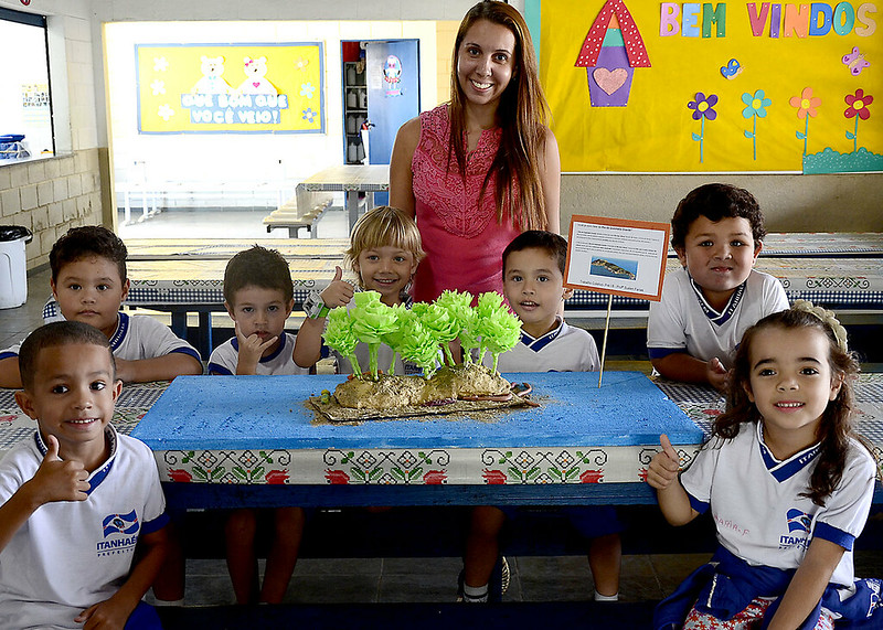 Alunos da E. M. Maria da Penha criam maquetes com pontos turísticos de Itanhaém