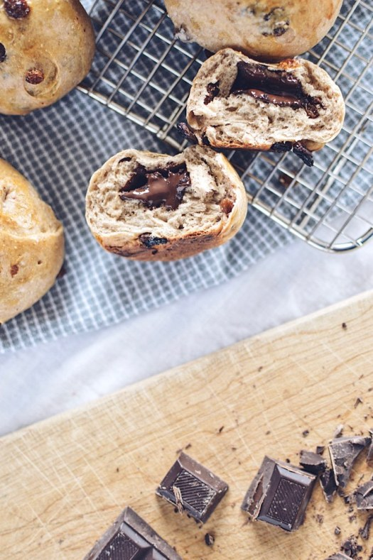 chocolate cinnamon raisin buns