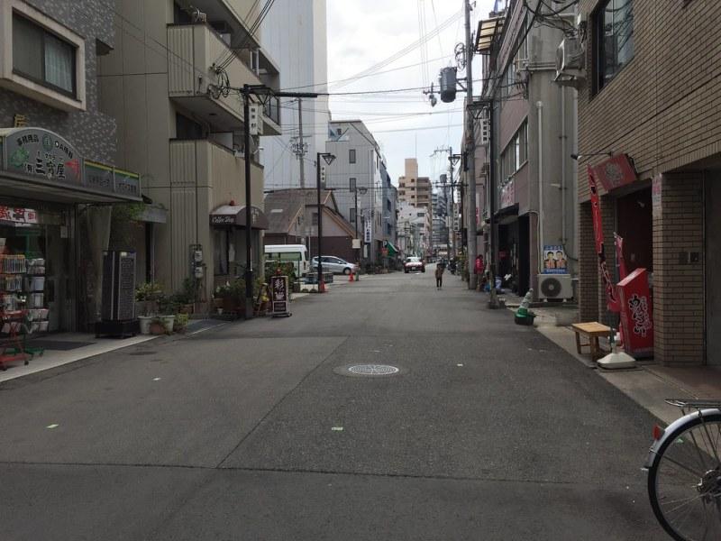 Yume さん的家前面的小巷