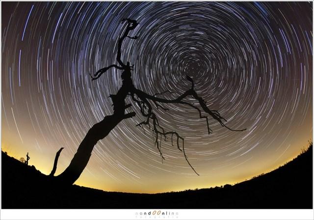 De cirkelvormige vertekening van een fisheye is ideaal voor mooie ronde sterrensporen. De coma vervorming in de hoeken is met dit soort foto's absoluut niet storend.