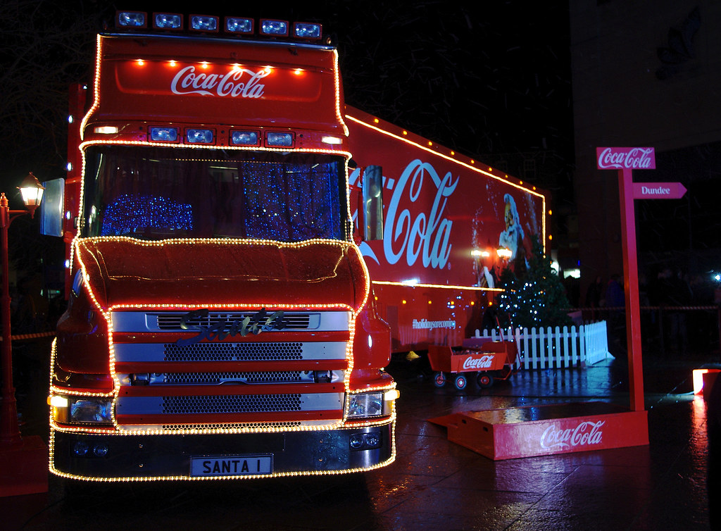 Scania T Cab Coca Cola Christmas Truck Santa 1 Coca
