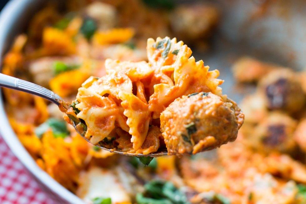 Chicken parmesan pasta bake with mini meatballs and mozzarella.