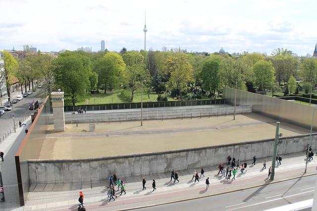 6 museos de Berlín imprescindibles y diferentes: Vistas desde la terraza del Memorial del Muro de Berlín