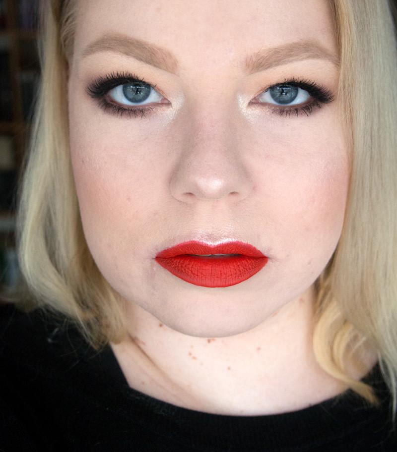 smashbox golden hour thrill seeker makeup