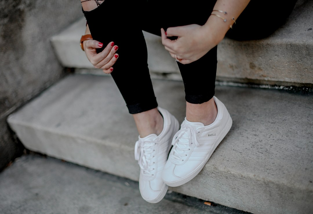 look-gazelle-sneakers-adidas-leztin-street-red-blazer-forever21-myblueberrynightsblog2