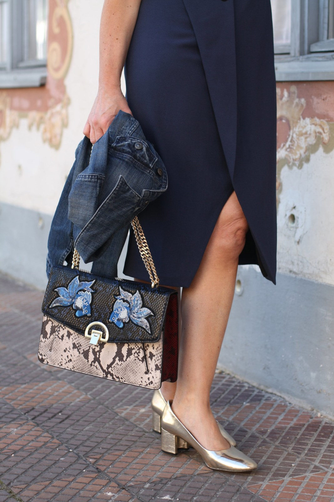 Statement bag and golden shoes by Mango . Lady of Style . 50plusblogger