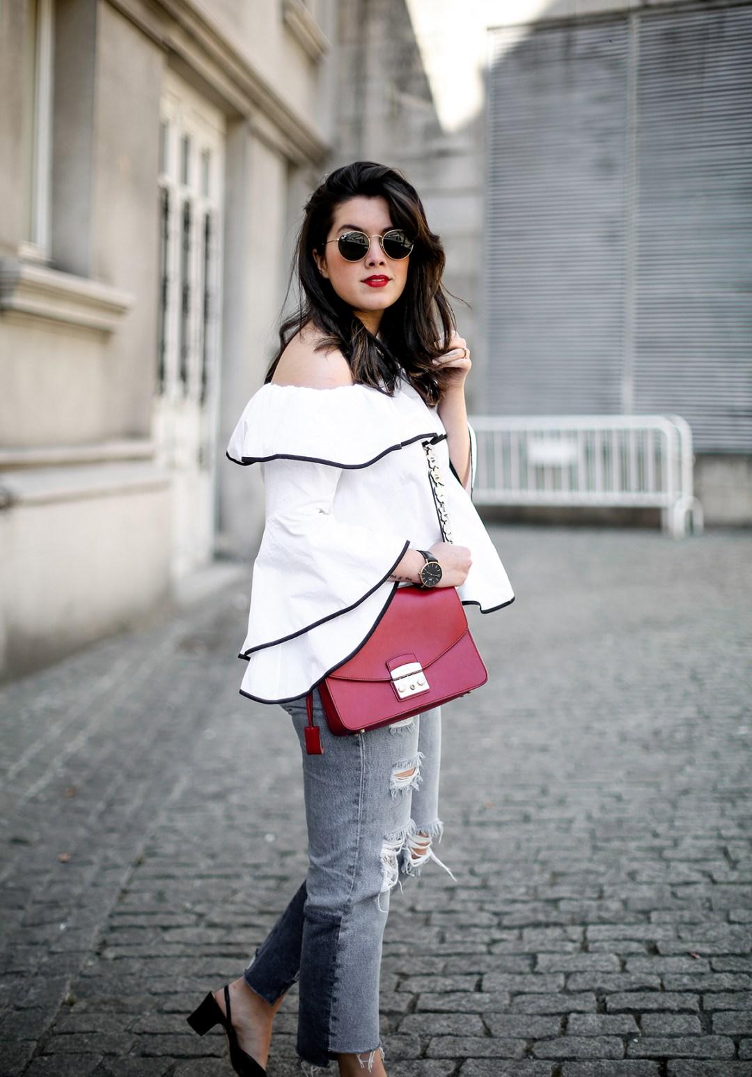 top-hombros-al-aire-volantes-zara-jeans-slingback-chanel-myblueberrynightsblog13