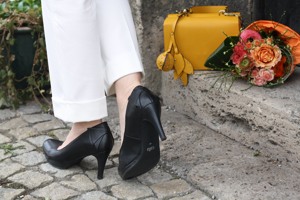 Calla Pumps Bunions LadyofStyle Mature Blogger 27