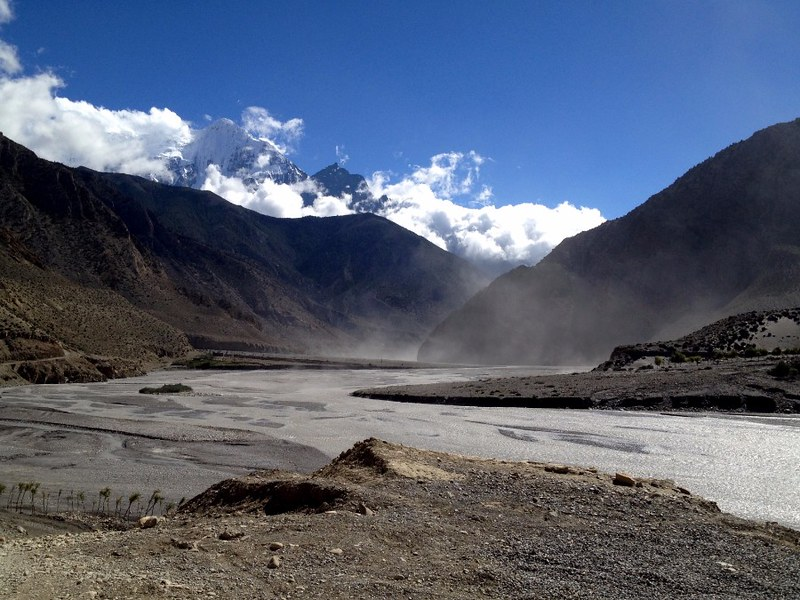 trekking down the gandaki river in mustang
