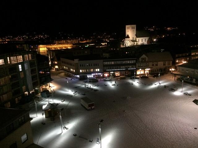 Uitzicht op het plein vanaf negen hoog.