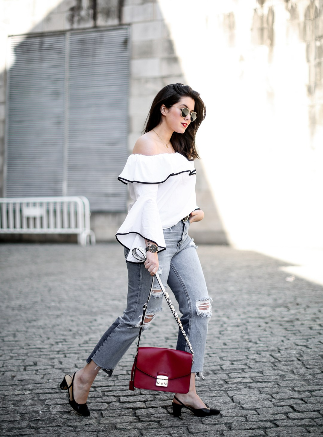 top-hombros-al-aire-volantes-zara-jeans-slingback-chanel-myblueberrynightsblog8