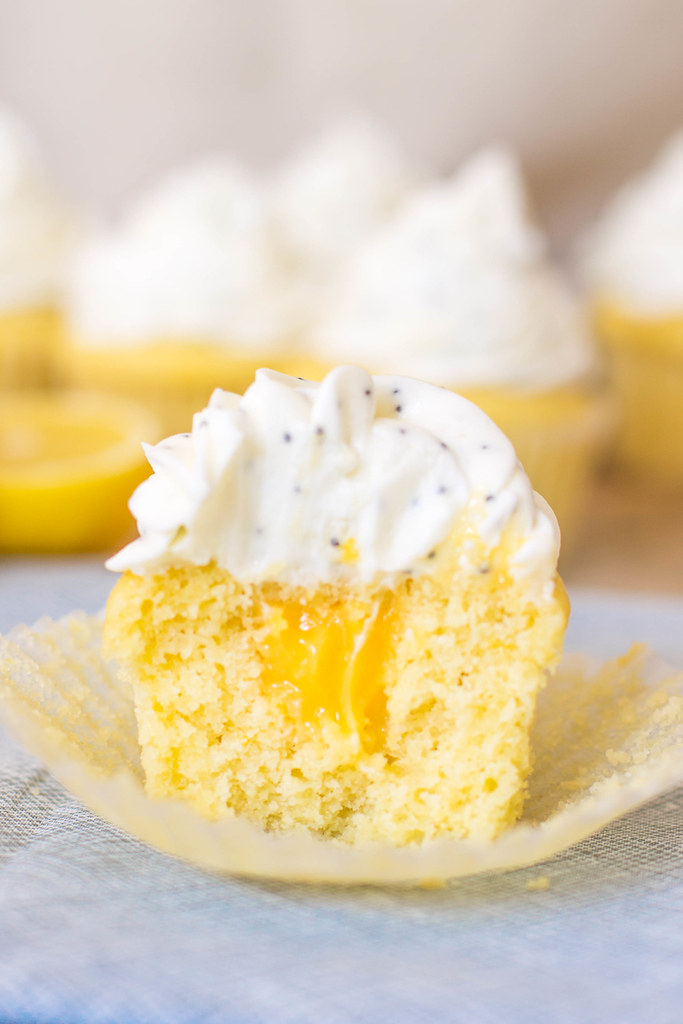 perfect filled lemon cupcakes