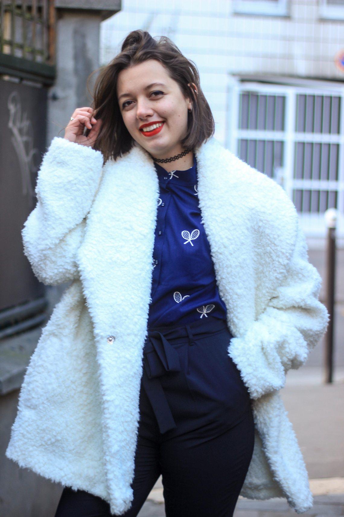 2-gros-manteau-et-chemise-ras-de-cou
