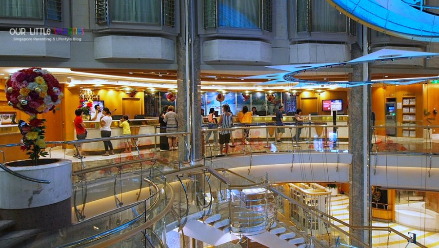 Guest Services at Deck 5