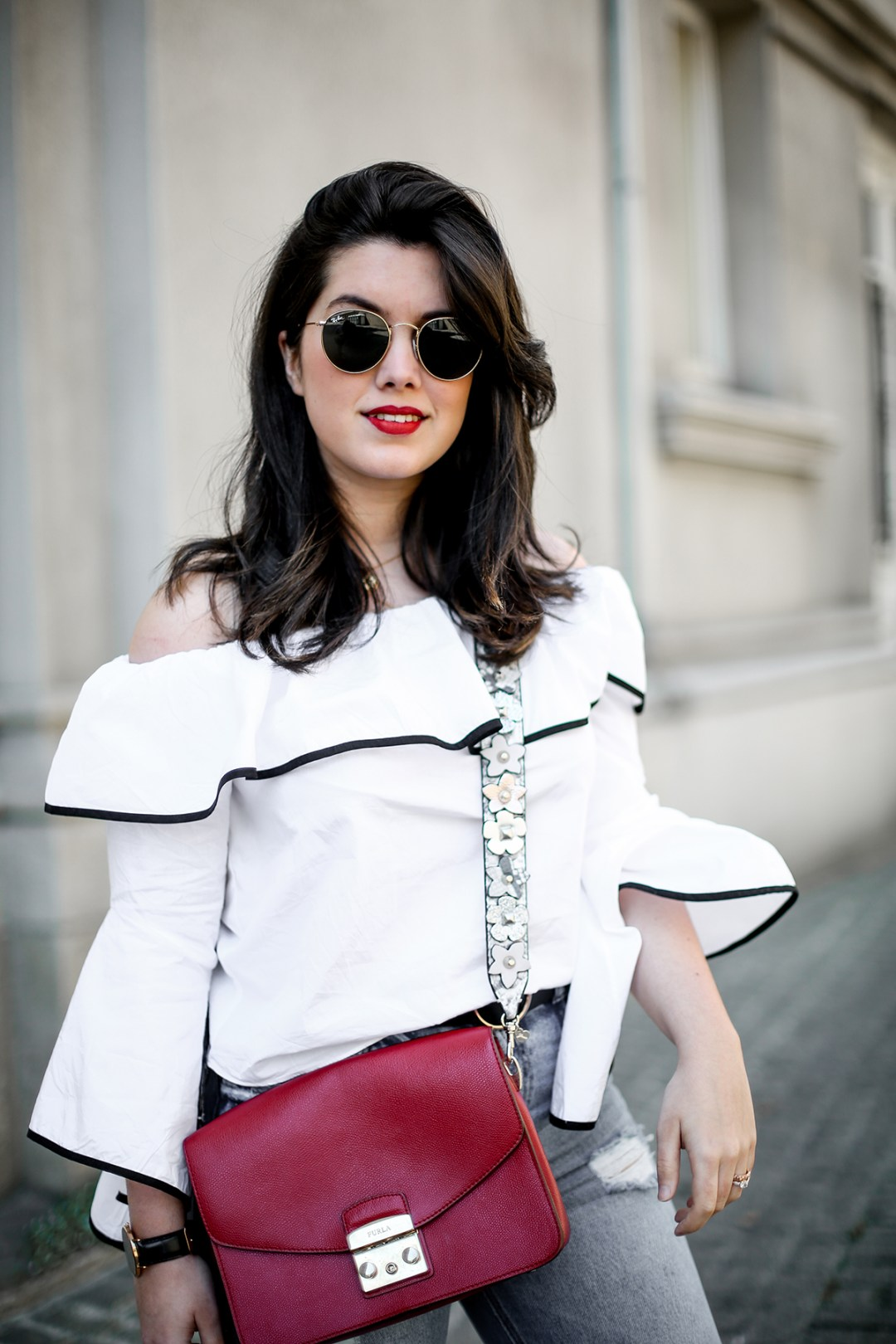 top-hombros-al-aire-volantes-zara-jeans-slingback-chanel-myblueberrynightsblog14