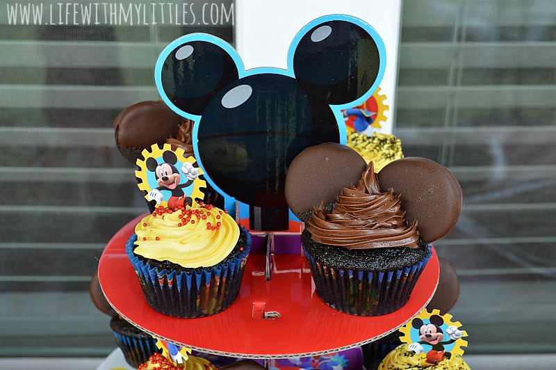 We loved throwing our #DisneyKids Preschool Playdate! We went with a Mickey Mouse theme and everyone had so much fun! If you're looking for some ideas for activities or food to serve at a Mickey Mouse party, check this post out!