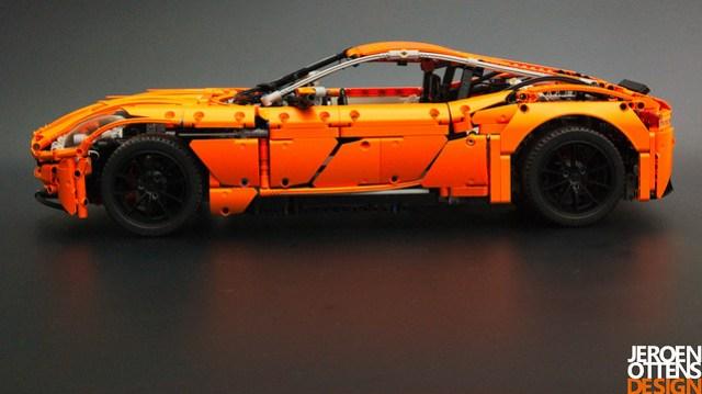 LEGO Technic Aston Martin DB11