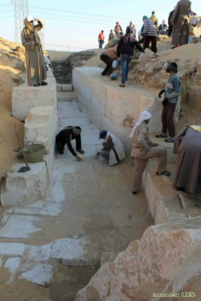 Excavation-of-the-tomb-of-Sobekhotep-I-682x1024