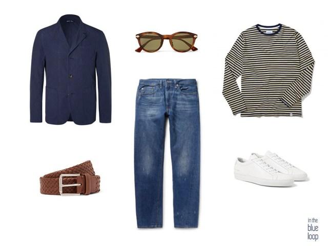 Look masculino con camiseta de rayas marineras, blazer, vaqueros, cinturón, gafas de sol y sneakers