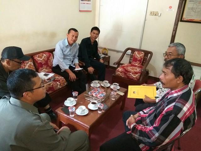 Pengurus Pawata Bakti diterima Komisioner KPU Kabupaten Tulungagung (27/3)