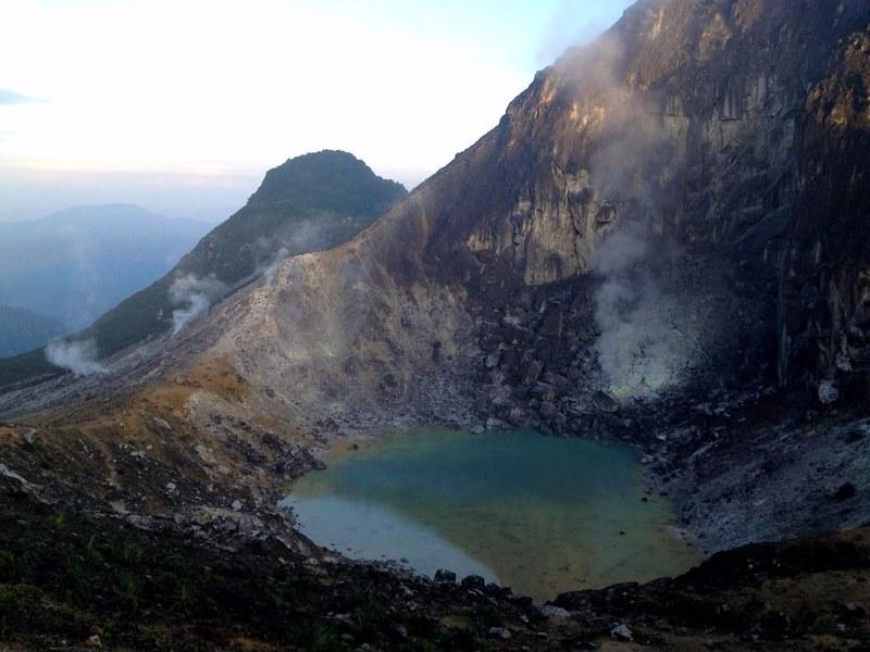 mount sibayak crater