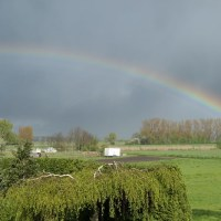 Regenbogen im April