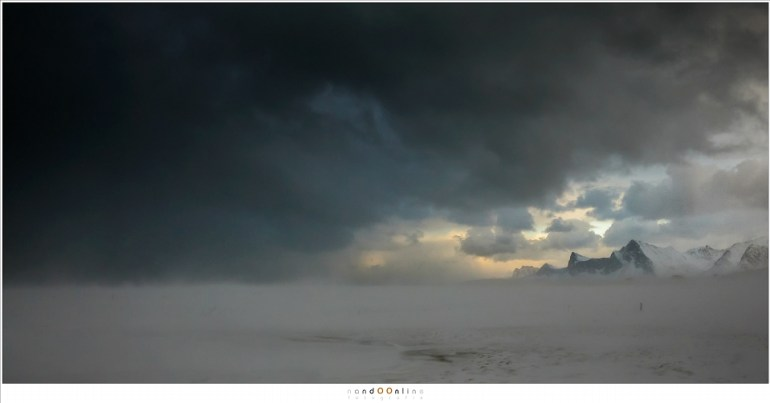 Noordweer boven het strand van Yttersand