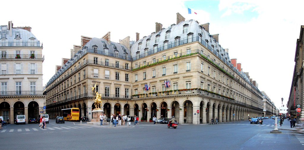Paris Corners: Place des Pyramides & Rue des Pyramides & Rue de Rivoli
