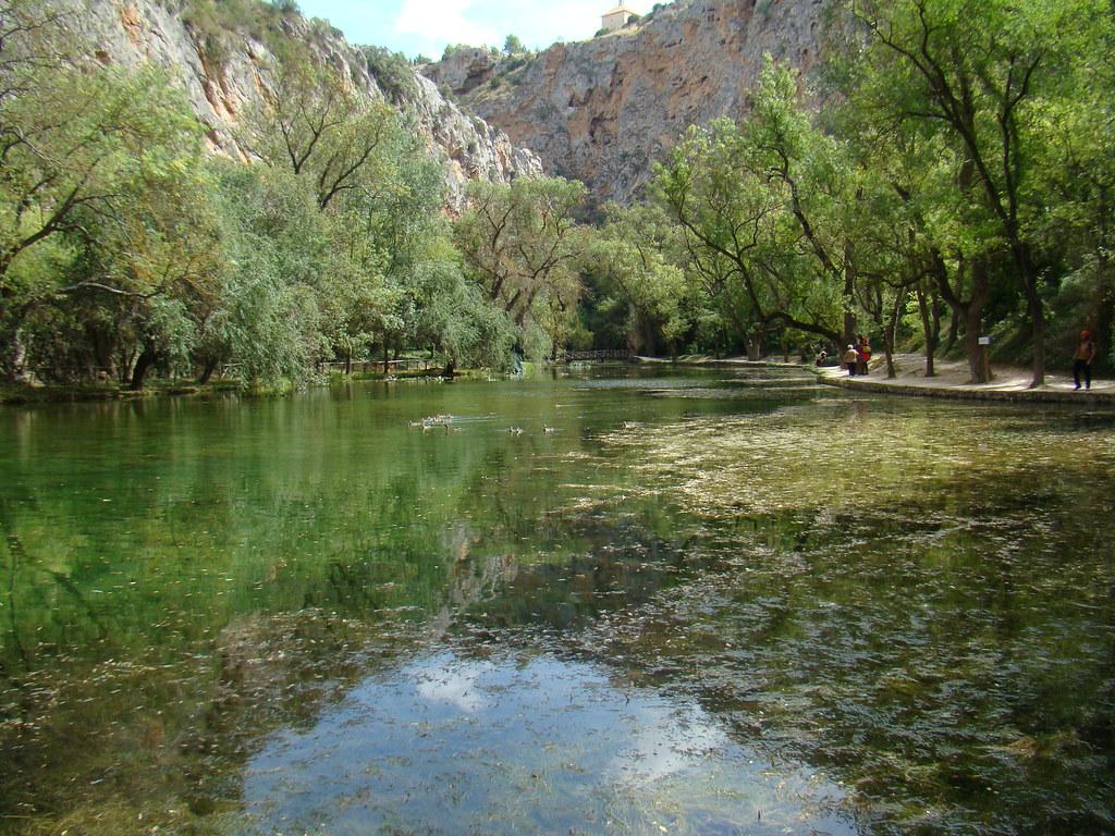 Lago Espejo Parque del Monasterio de Piedra Nuevalos Zaragoza 035