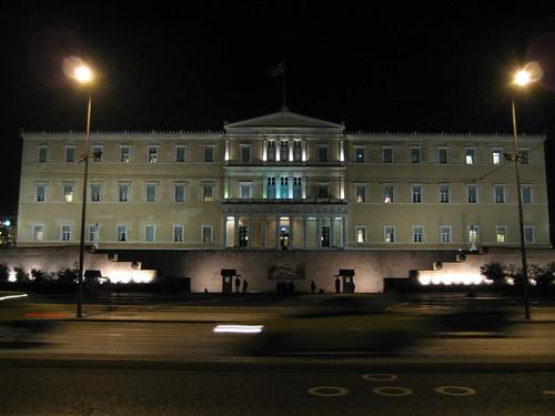 Parlamento y Tumba del Soldado Desconocido, en la Plaza Sintagma. ViajerosAlBlog.com.