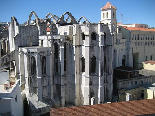 Ruinas del Convento e Iglesia del Carmen, desde la parte superior del Elevador de Santa Justa. ViajerosAlBlog.com.