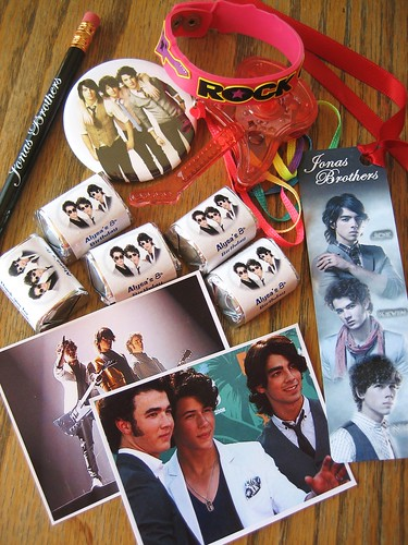 Jonas Brothers Party Favors Here Are The Items We