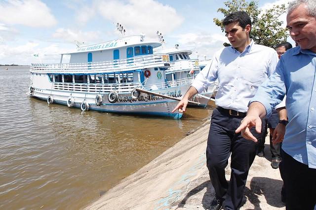 Ministro da Integração Nacional assina liberação de R$ 75 milhões para reparos da orla, helder e Nélio