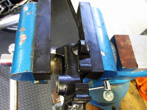 Holding Master Cylinder in Rubber Jaws of Vice