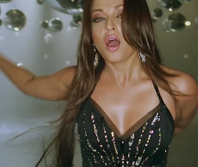 Aishwarya Rai Hot Expressions Pictures 1 By Nitikaa_mathur