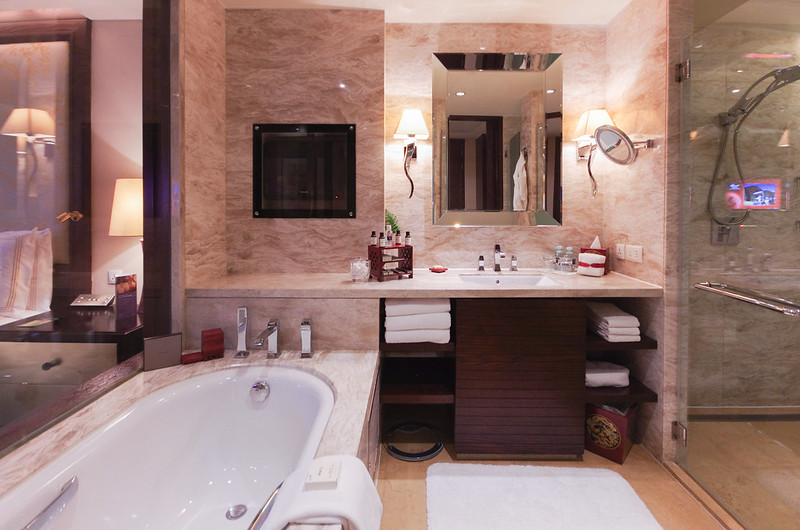bathroom in the fairmont gold room
