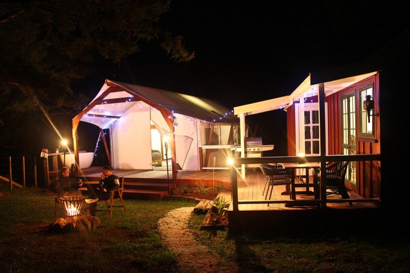 Glamping in New Zealand is a luxurious way to spend a weekend in the outdoors. Highfield River Retreat is just gorgeous!