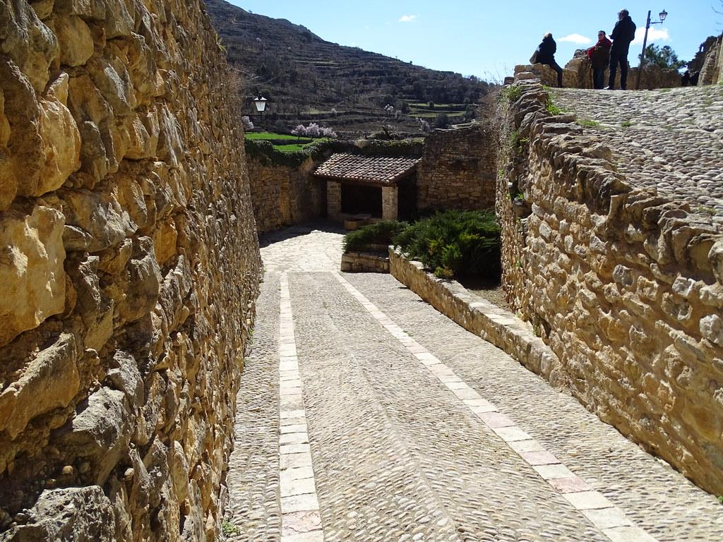 Mirambel Fuente Teruel Comarca del Maestrazgo 01